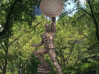 Captain America statue in Brooklyn